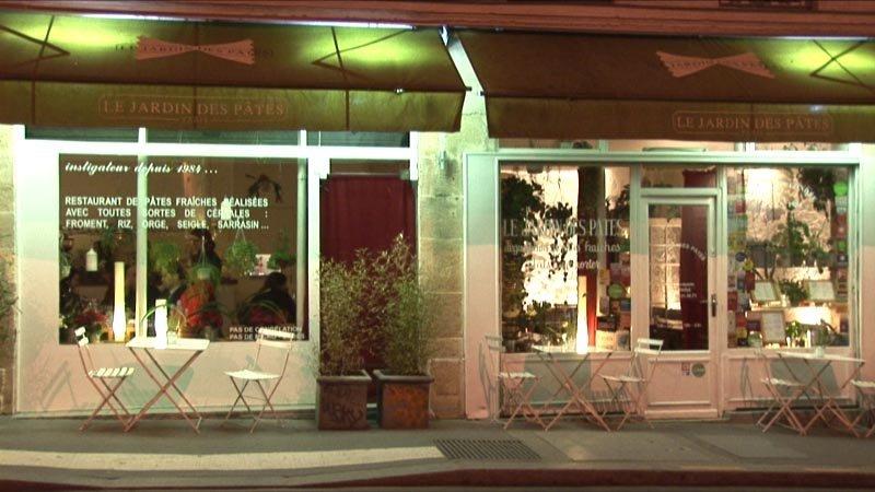 Restaurant jardin des p tes paris en vid o for Restaurant paris jardin