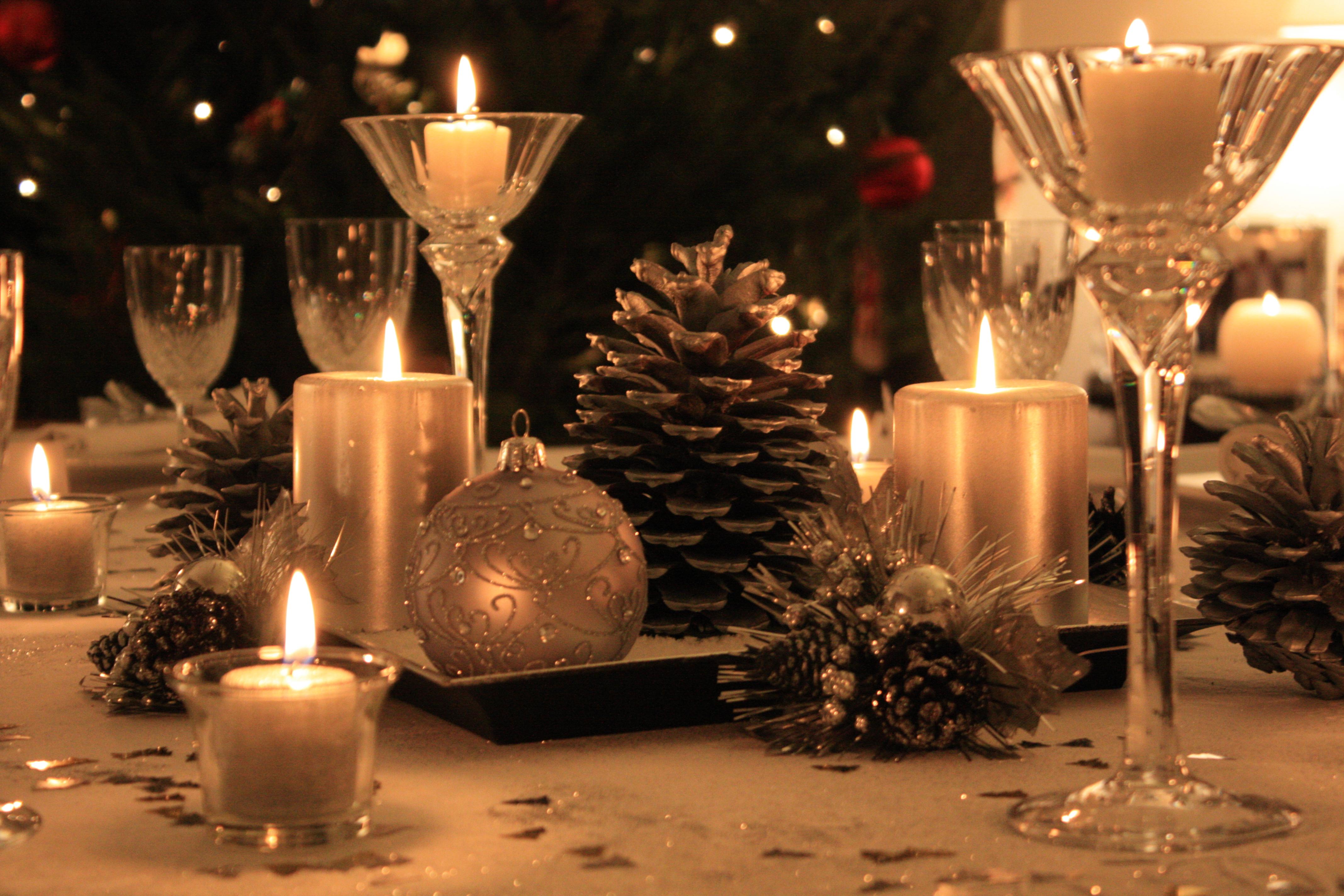 Blanc et argent le duo gagnant de l 39 hiver - Decoration table reveillon jour de l an ...