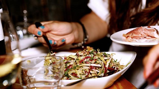 salad-569156_640