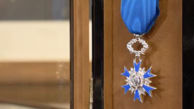 Marie Sauce - remise de la médaille de l'Ordre du Mérite National