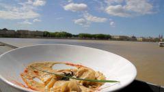 Vidéo - Recette insolite en vidéo : Ravioles de foie gras et crème de cèpes du Restaurant l'Estacade