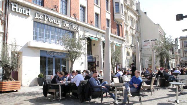 Hôtel du Vieux Beffroi - Brussel's Café à Béthune