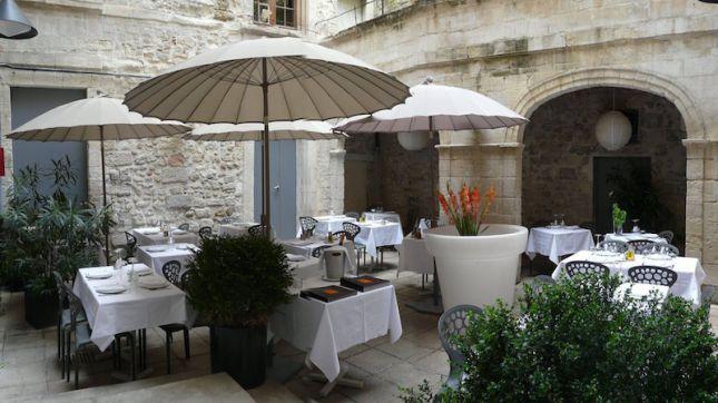 restaurant l 39 essentiel avignon hotelrestovisio. Black Bedroom Furniture Sets. Home Design Ideas