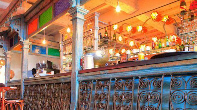 Le Café de la Place à Saint-Rémy-de-Provence