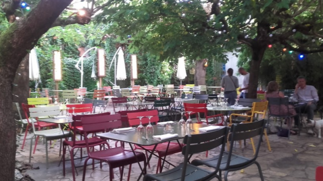 restaurant le meilleur restaurant de la rue montauban. Black Bedroom Furniture Sets. Home Design Ideas
