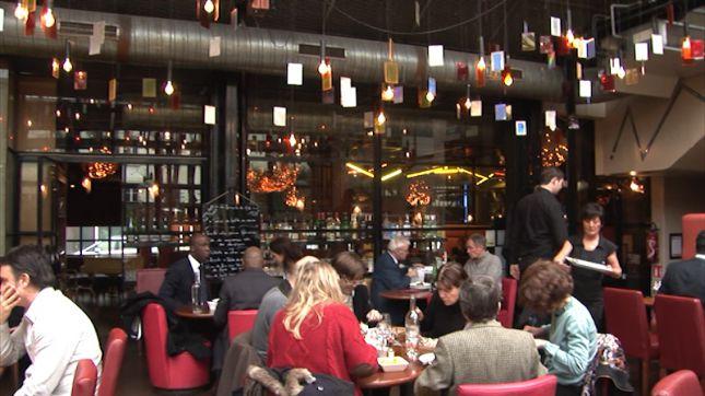 restaurant l 39 entrep t paris en vid o hotelrestovisio. Black Bedroom Furniture Sets. Home Design Ideas