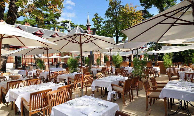Restaurant jardins de bagatelle paris en vid o for Restaurant paris jardin