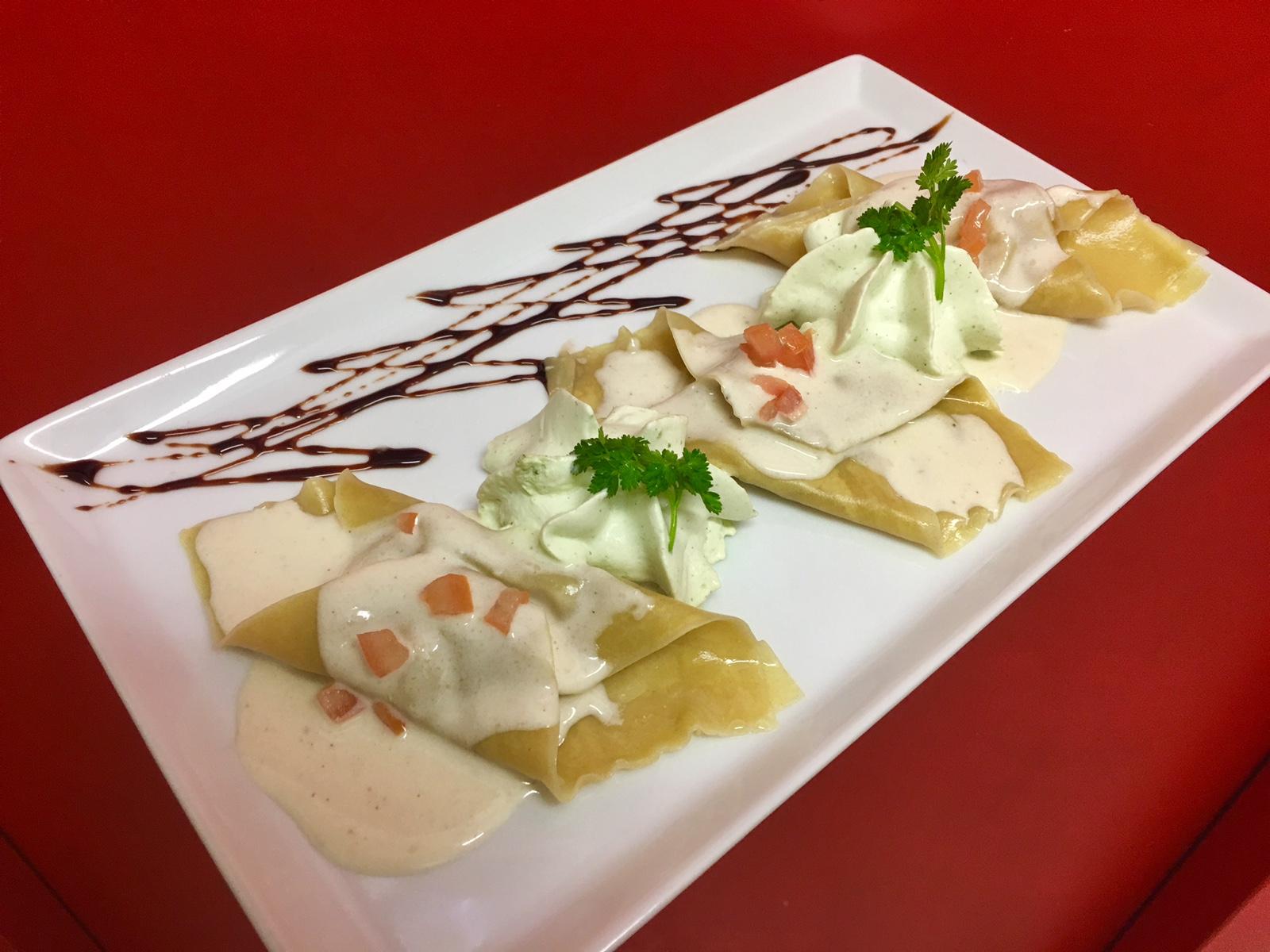 Ravioles ricotta, coppa à la crème de parmesan et chantilly au basilic
