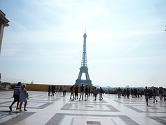 eiffel-tower-690956__180