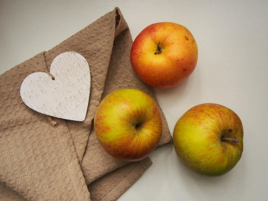 apples-923681_1280