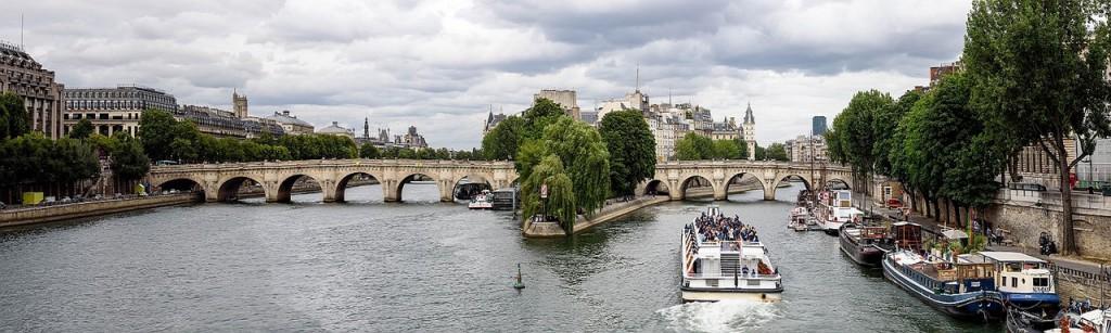 paris-967186_1280