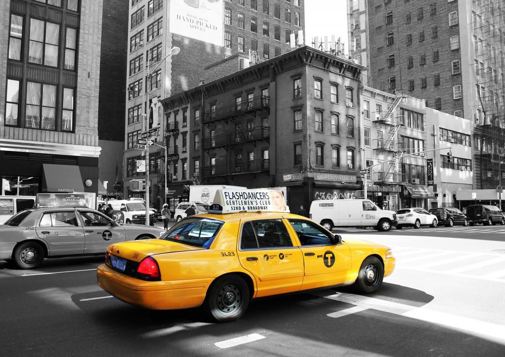 taxi-988348_1920