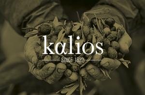 Main dans les olives Kalios