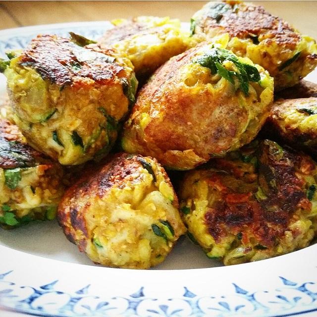 boulettes-vegetariennes-courgettes-oignons-et-curry
